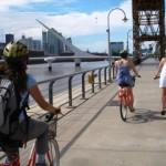 la-bicicleta-naranja-em-puerto-madero-buenos-aires