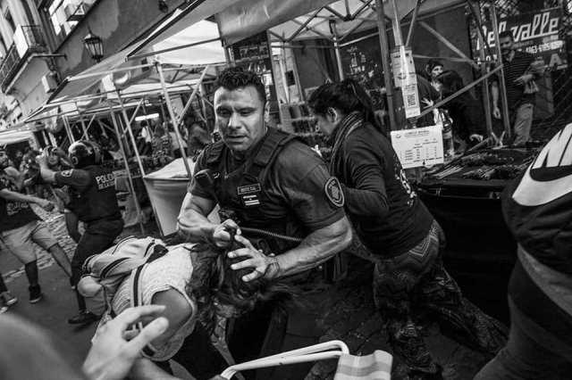 """Muestra fotográfica """"contra la represión en San Telmo"""""""