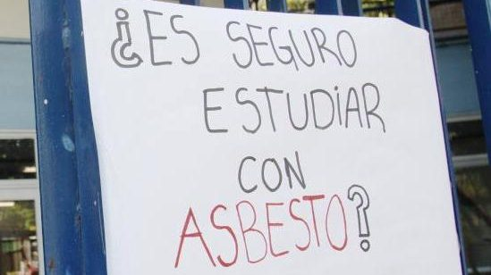 """Peligro: """"Asbesto en las Escuelas"""""""