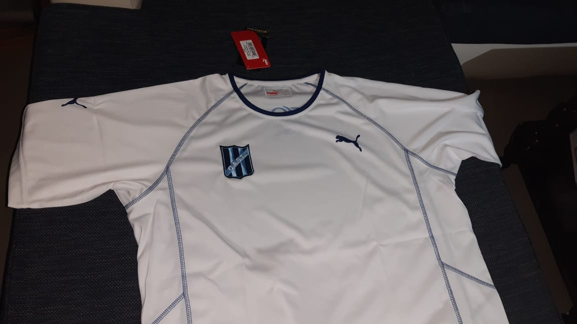 Sortean camiseta «inédita» de Telmo